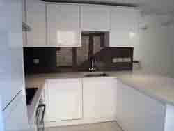 Putney - Quarella Quartz Kitchen Worktops and Glass Splash backs