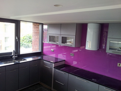 Black Granite Worktops and Glass Splashbacks in Hampstead