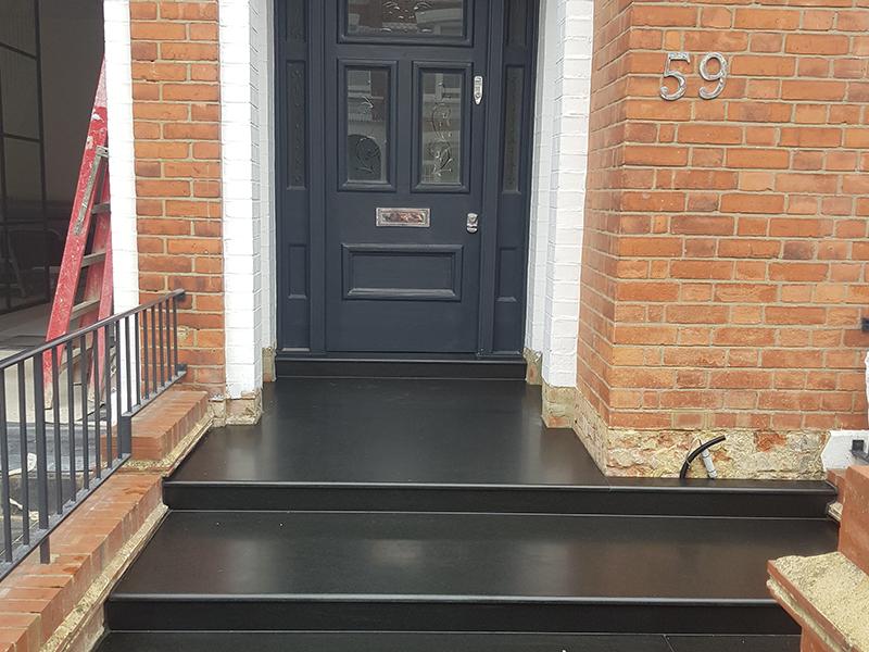 Fulham, London - Indian Black Hond