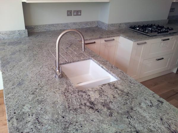 Kashmir White Granite Kitchen Worktops - West Ealing   MG ...
