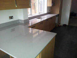 Cheam - QUARELLA CENIZA Quartz Kitchen Worktops